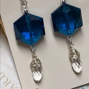 NWOT Chunky teal glass & wrapped crystal drops